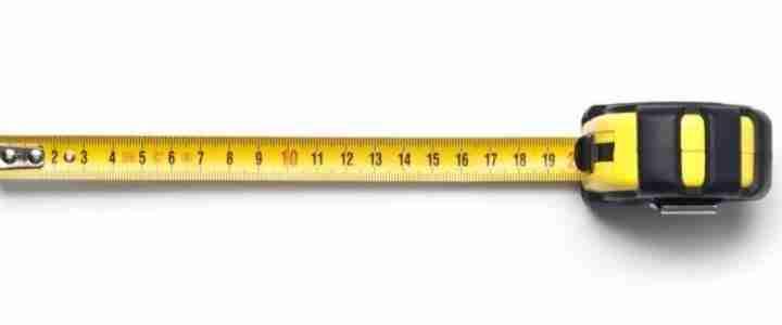 Bases d'Orientació elaborades per dos alumnes per explicitar com mesurar l'alçada d'objectes de manera indirecta.