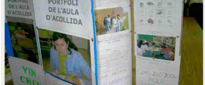 Els alumnes comuniquen a les famílies la seva autoavaluació utilitzant el portafolis o carpeta d'aprenentatge