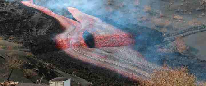 De la lava a la roca volcànica